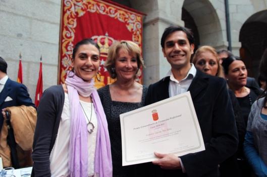 SilvaLa presidenta Esperanza Aguirre junto a Federico Gastón Plée y su profesora