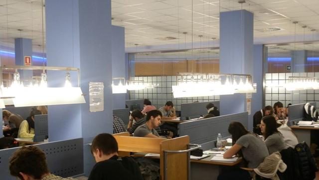bibliotecas-Comunidad-Madrid-horario-examenes_TINIMA20150111_0378_3